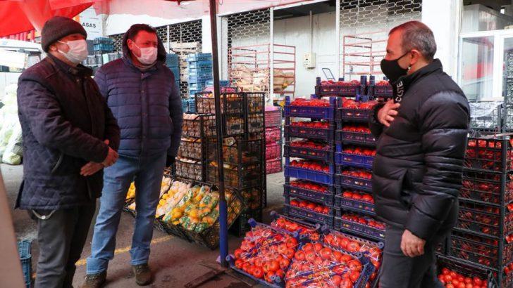 Vali Sonel, Sebze ve Meyve Hali Esnafını Ziyaret Etti