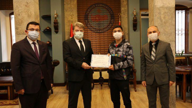 ALTINORDU'DA YARIŞMASINDA DERECEYE GİRENLER ÖDÜLLENDİRİLDİ